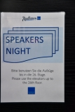 Schild Speakers Night